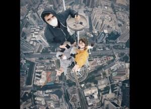 Viaja tomando selfies suicidas