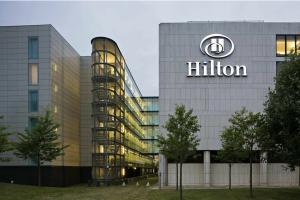 Hilton y sus ganas de volar, por @fgallardo