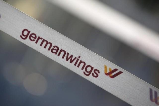En la imagen, una cinta de la aerolínea alemana Germanwings en una puerta del aeropuerto Berlin Tegel.