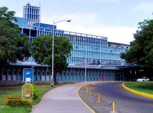 Instalarán campamento fuera del Hospital Universitario de Maracaibo por la crisis del Covid-19