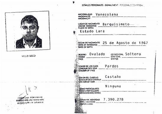 Copias completas de las páginas de identificación del pasaporte diplomático que portaba Tulio Antonio Hernández Fernández. El sello de la Dirección de Inmunidades y Privilegios y la firma del funcionario de la Cancillería de Venezuela se corresponden con las mismas de otros pasaportes diplomáticos emitidos para la fecha.