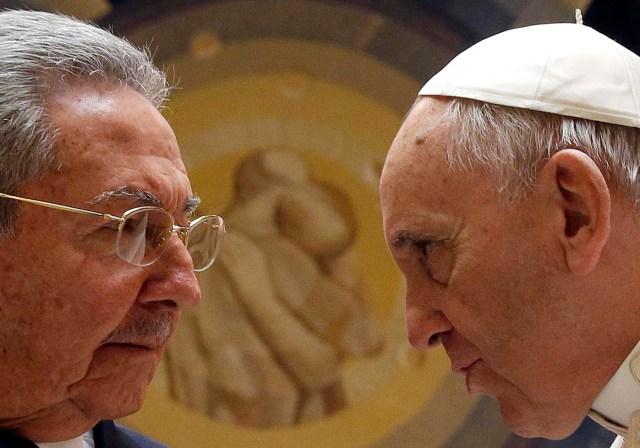 Raúl Castro visitó al papa Francisco en mayo pasado (Foto Reuters)