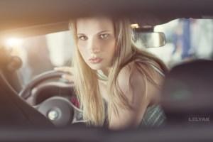 Nenas y Naves presenta: Las bellísimas promotoras y el hermoso Alfa Romeo