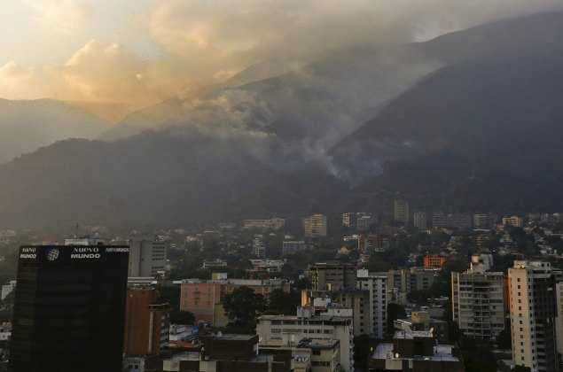 A wild forest fire burns at the Avila national park also known as 'Warairarepano' in Caracas