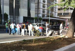 Pacientes protestaron por escasez de insumos para realizar diálisis (Fotos)