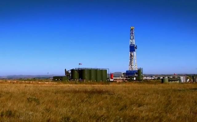Referencial. Taladro petrolero en Dakota del Norte, en EEUU / archivo