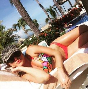El bikinazo de Alicia Machado y su pose sensual que no habíamos visto