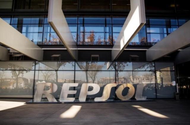 Repsol pausa el acuerdo de intercambio de petróleo con Pdvsa y fondea dos buques