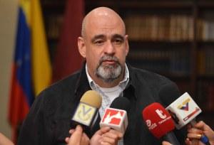 """Asamblea fraudulenta quiere incorporar al Código Penal delitos como """"traición a la patria"""""""