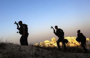 Al menos 180 heridos en choques entre palestinos y policía israelí en Jerusalén