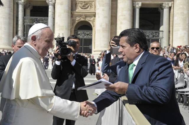 Encuentro dip. Zambrano-Papa Francisco 26 de agosto (2)