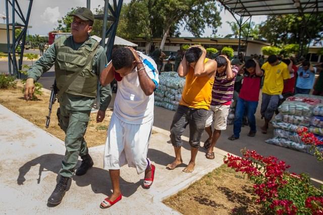 La guardia nacional ha arrestado a supuestos contrabandistas en las últimas semanas. PHOTO: MIGUEL GUTIÉRREZ FOR THE WALL STREET JOURNAL