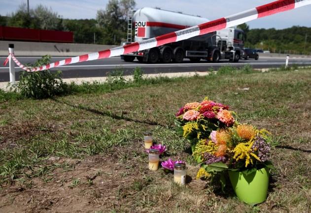 El primer camión fue abandonado y los 71 inmigrantes murieron