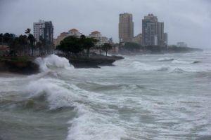 Huracán Sandra se fortalece en el Pacífico