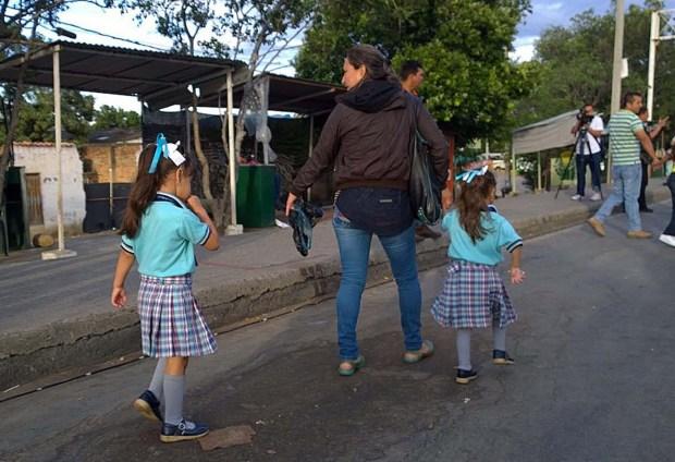 El viernes abrieron un corredor humanitario para estudiantes (Foto EFE)
