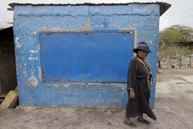 Una mujer de la etnia Wayúu en la frontera   REUTERS/Isaac Urrutia