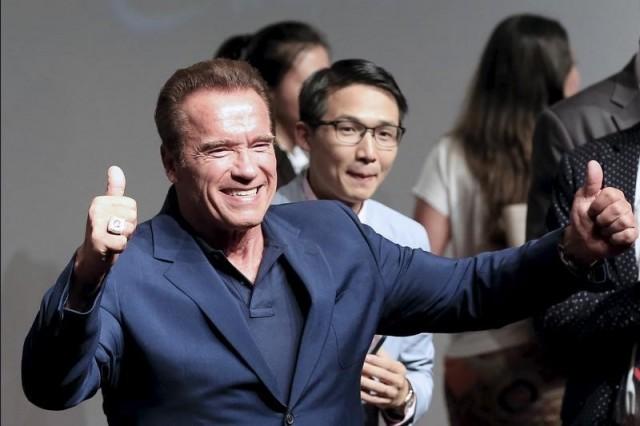 """En la imagen de archivo, Arnold Schwarzenegger asiste a una gira promocional de la película """"Terminator Genisys"""" en Shanghái. 19 de agosto de 2015.   REUTERS/Aly Song"""
