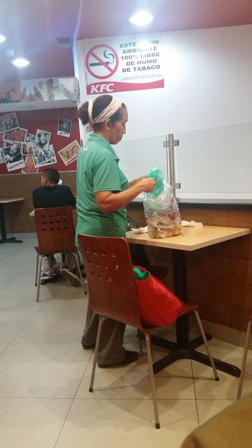 KFC-basura (4)