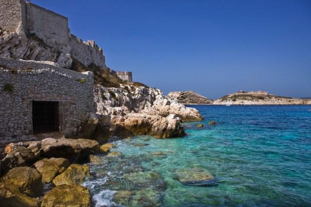 islas_imprescindibles_en_la_costa_azul_424684297_650x