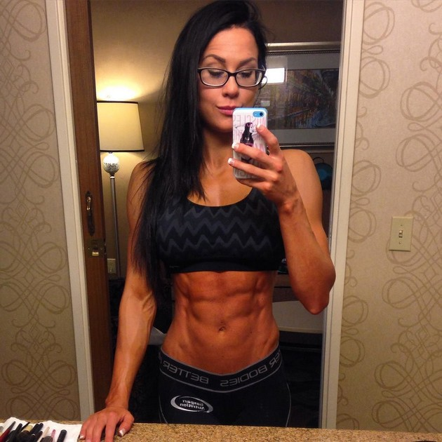 Girls-with-Abs-9-18_00006