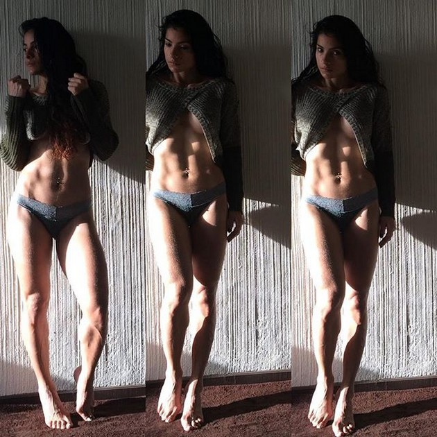 Girls-with-Abs-9-18_00013