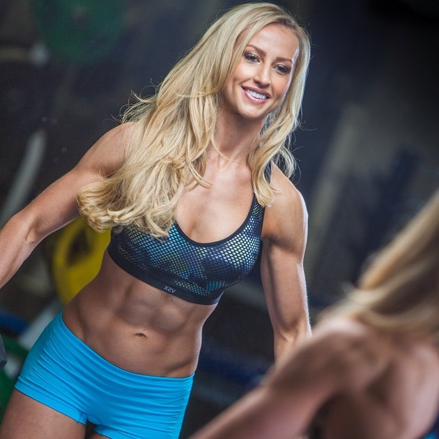 Girls-with-Abs-9-18_00015