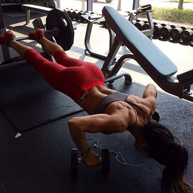 Girls-with-Abs-9-18_00020