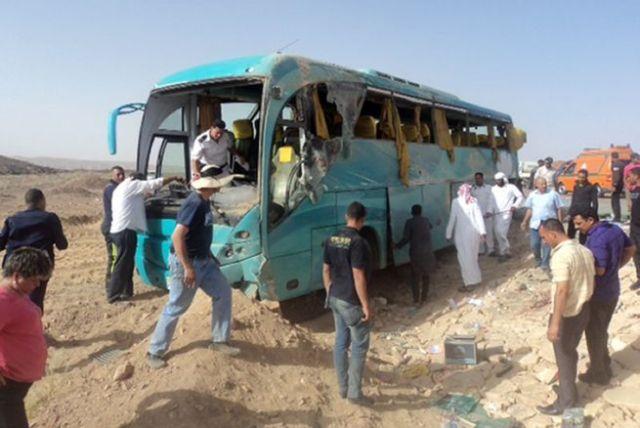 Militares de Egipto bombardearon a un grupo de turistas mexicanos