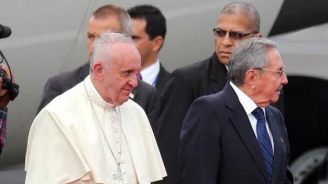 Cuba-papa-Francisco-Raul-Castro-EFE_foto610x342