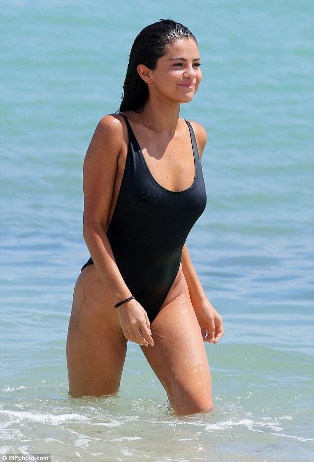 Selena-Gomez-TDBalto (2)