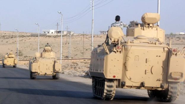 egipto-convoy-blindado-sinai