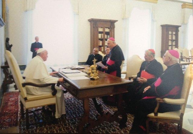 El Papa Francisco y Directiva de la CEV en la audiencia