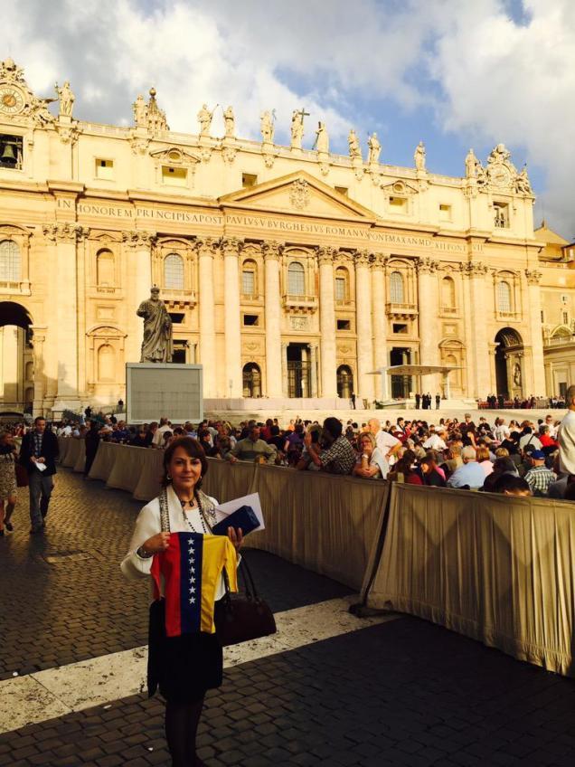 mitzy vaticano