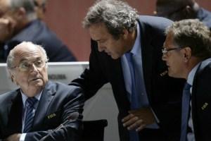 La FIFA podría reclamar a Blatter y Platini 2 millones de francos suizos