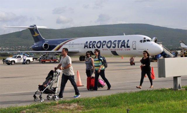 (foto avión Aeropostal)