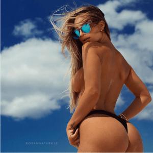 Conoce a la catirota Rosanna Arkle con pechos y nalgas tan enormes que en Instagram  parecen 3D (Fotos)