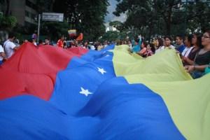 Así festejó la sociedad civil este #7D la victoria de la Unidad (Video + Fotos)