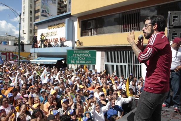 Miguel-Pizarro-proclamacion