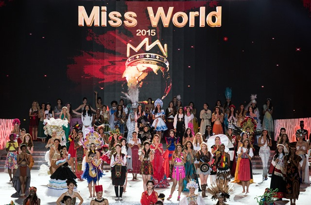 Miss World contestants perform at the Miss World Grand Final in Sanya, southern China's Hainan province on December 19, 2015. Contestants from over 110 countries compete in the final of the 65th Miss World Competition. AFP PHOTO / JOHANNES EISELE / AFP / JOHANNES EISELE