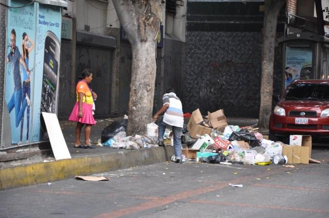 BASURA EN LA CAPITAL 01,01,16 (2)