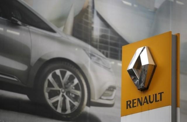 El logo de Renault en una de sus concesionarias en París. Reuters