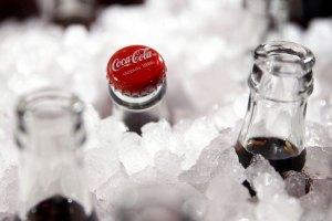 Coca-Cola analiza su entrada en el mercado de las infusiones de marihuana