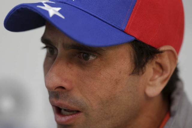Venezuelan opposition leader and Governor of Miranda state Henrique Capriles speaks during an interview with Reuters in Caracas January 28, 2016. To match VENEZUELA-POLITICS/CAPRILES  REUTERS/Marco Bello