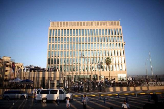 La embajada de Estados Unidos en La Habana, Cuba. 14 de agosto de 2015. El Gobierno de Estados Unidos anunciará el 17 de marzo nuevos alivios a las restricciones comerciales y de viaje a Cuba, antes de la histórica visita del presidente Barack Obama a la isla, dijeron el martes fuentes del Congreso. REUTERS/Alexandre Meneghini/Files