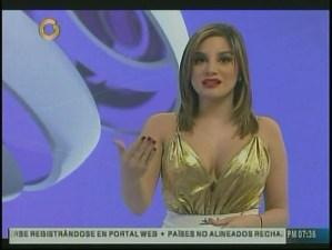 """Hasta este atuendo aguantamos nuestro """"pestañeo"""" por Rocío Higuera… ¡no más!"""