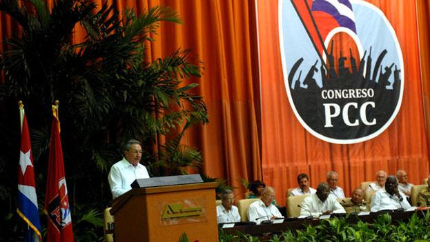 Raúl interviene en el VI Congreso del Partido Comunista de Cuba / 14ymedio