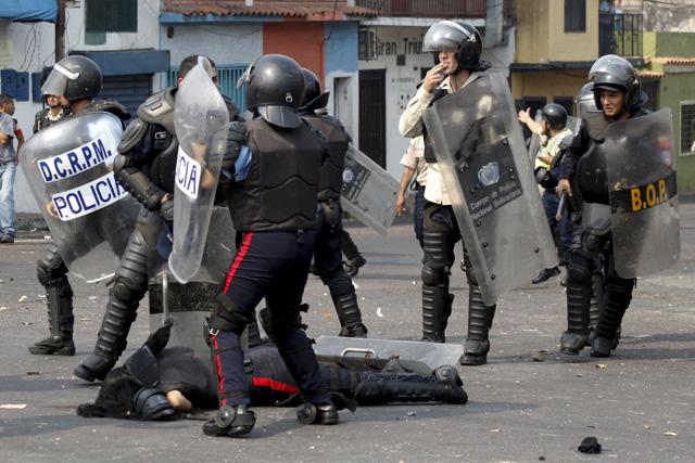 Arrollamiento-policias