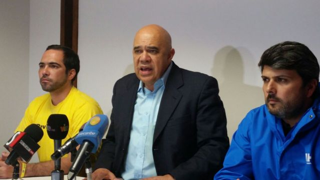 Jesús Torrealba, secretario general de la MUD (Foto: Archivo)