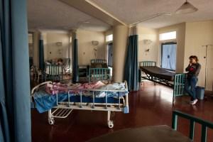 Sin insumos básicos, con equipos en mal estado y sin electricidad, operan los hospitales públicos de Venezuela (Video)