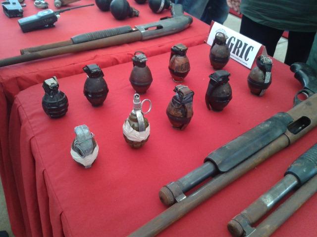 ARMAS INCAUTADAS EN EL MARITE (7)